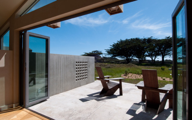 Sonoma County Architect Doug Murray - Ocean Bluff Deck Snedaker- Krause House (photo by Lourdes Solari)